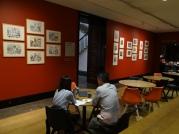 Espressso Bar National Gallery mit Frank Auerbachs Studien der Meister (c) Daniel Zylbersztajn