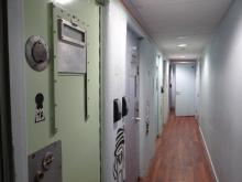 Clink 78 (5) Einzelzelle zum Übernachten , Photo (c) Daniel Zylbersztajn, 2015, All Rights Reserved