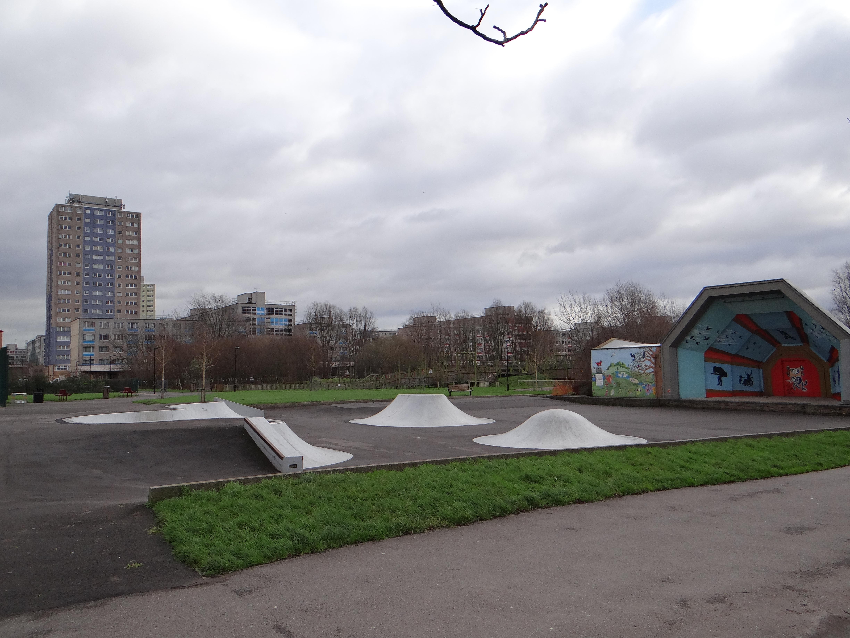 Lotteriegelder sanierten den Park mit vielen Freizeit und Sportmoeglichkeiten Broadwater Farm 6