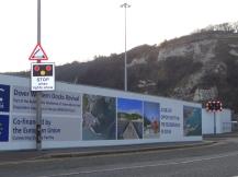 Dover Westhafen mit Sicht auf weisse Klippen, Rennovierung gesponsert mit Europahilfe