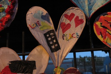 24Hearts Herzen ein Kustprojekt unter dem Westway, welches Sophie Lodge begann