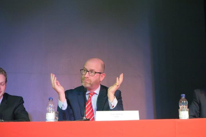 Paul Nuttall Herausvorderer gegen Labour fuer Ukip in Stoke on Trenty bei Debatte an der Staffordshire Uni