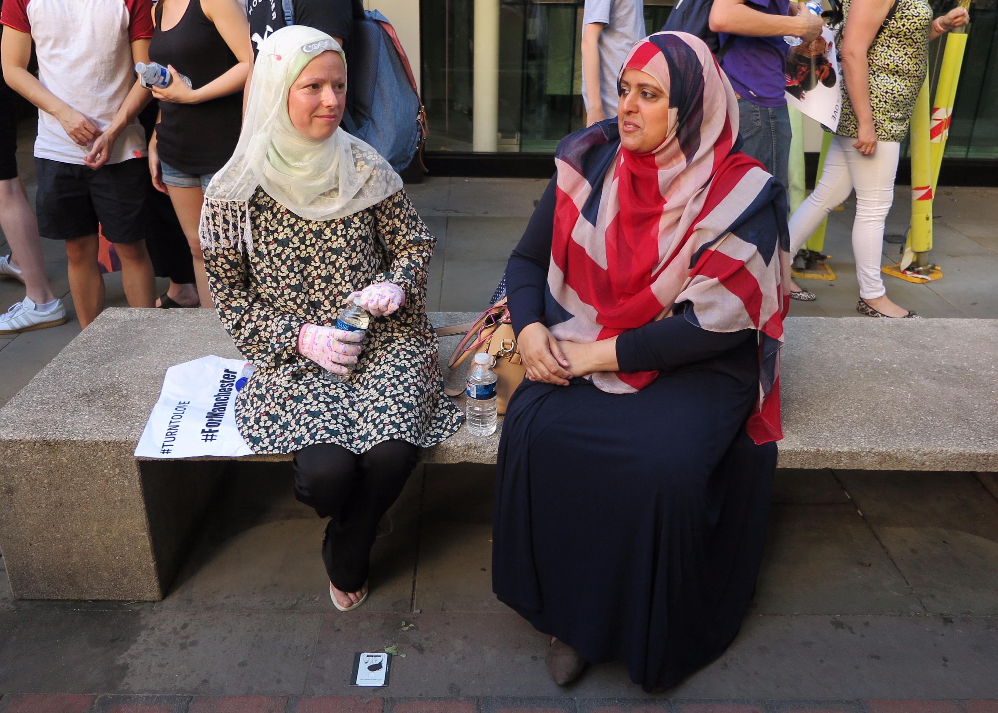 Union Jack als Hijab, es drückt aus wie ich mich fühle sagt Manchesterin Gulnar Bano Khan Qadri, 48