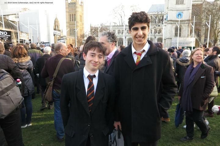 Jungkonservativen Liam Sanderson 18 Keyvan Farmanfarmaian 17 Cobyn fehlt die Fähigkeit Antisemituismus ausrechend zu verurteilen IMG_0333