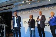 Chucku Umuna mit Politikern fast aller Parteien IMG_0747