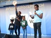 Studentenführerin der NUS Shakira Martin und ihre Töchter, rechts NUS Vizepräsident Amatey Doku IMG_0710